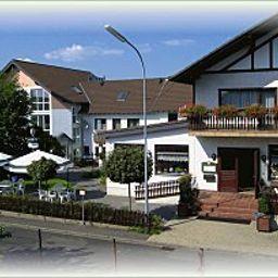 Weber_Gasthaus-Wiesemscheid-Aussenansicht-71681.jpg