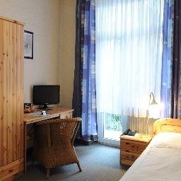 Karolinger-Dusseldorf-Room-1-74166.jpg