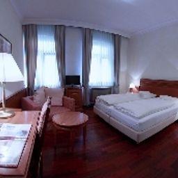 Weisser_Bock-Heidelberg-Double_room_superior-3-74408.jpg