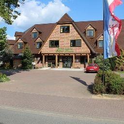 Mueritz-Landhotel_Gruener_Baum-Gotthun-Exterior_view-3-74956.jpg