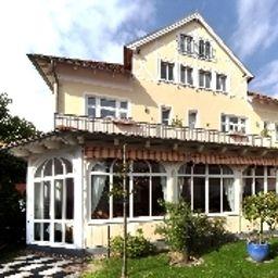 Villa_Wilhelmine-Kuehlungsborn-Aussenansicht-3-75064.jpg