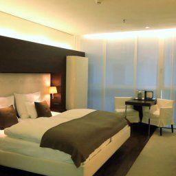 SIDE-Hamburg-Business_room-1-75519.jpg