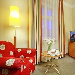 Oktiabrskaya-Sankt-Peterburg-Double_room_superior-75644.jpg