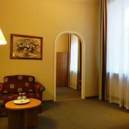 Oktiabrskaya-Sankt-Peterburg-Room-7-75644.jpg