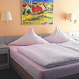 Ammerlaender_Hof-Edewecht-Standardzimmer-1-76190.jpg