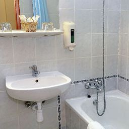 Eben-Budapest-Bathroom-77752.jpg