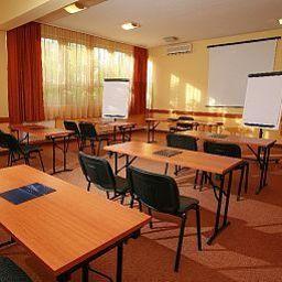 Eben-Budapest-Conference_room-77752.jpg