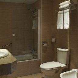 Confortel_Romareda-Zaragoza-Bathroom-1-78236.jpg