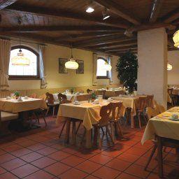 Alter_Hof-Vaterstetten-Restaurant_Frhstcksraum-78291.jpg