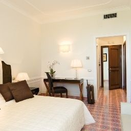 La_Medusa_Grand_Hotel-Castellammare_di_Stabia-Room_with_balcony-78572.jpg