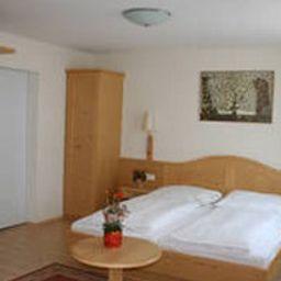 Adlerhof-Salzburg-Room-7-79193.jpg