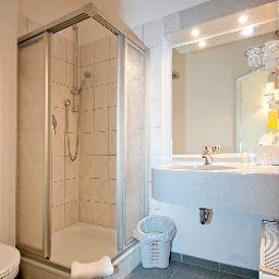 Montana-Bremen-Bathroom-1-79505.jpg