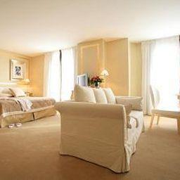 Renoir-Cannes-Suite-3-79747.jpg
