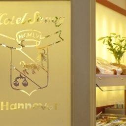 Savoy-Hanover-Breakfast_room-3-79877.jpg