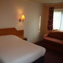 Days_Inn_Taunton-Taunton-Room-9-81149.jpg