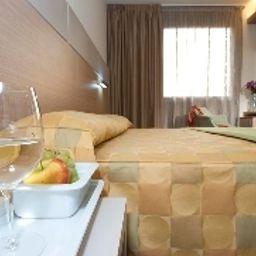 Aries-Vicenza-Superior_room-2-82197.jpg