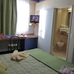 Aries-Vicenza-Single_room_standard-82197.jpg