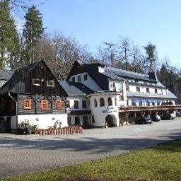 Außenansicht Köhlerhütte Fürstenbrunn