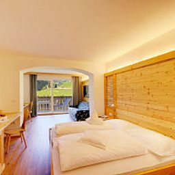 Wiesenhof-San_Leonardo_in_Passiria-Junior_suite-84114.jpg