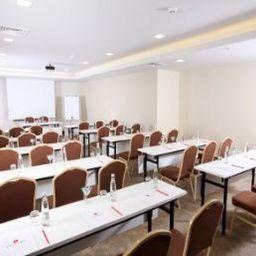 Ramada_Istanbul_Taksim-Istanbul-Conference_room-7-84986.jpg
