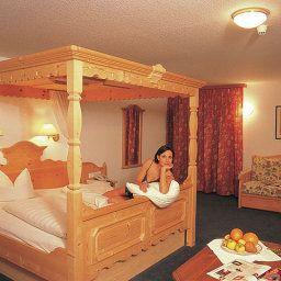 Zimba-Brand-Room-85672.jpg