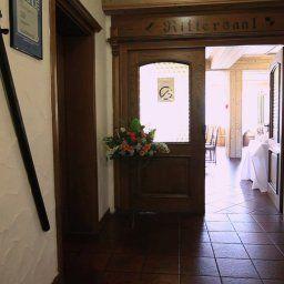 Haller_Hof-Schwaebisch_Hall-Restaurantbreakfast_room-1-85665.jpg
