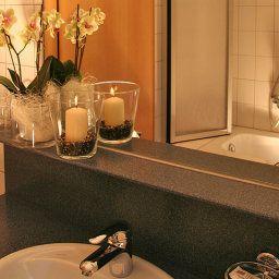 Zimba-Brand-Bathroom-85672.jpg