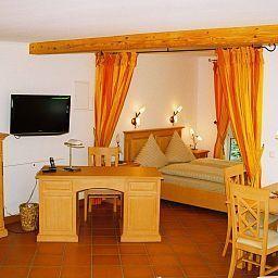 Sassenhof_Landhaus-Muelheim-Suite-86446.jpg