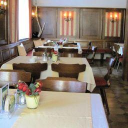 Weisz-Frauenkirchen-Breakfast_room-88129.jpg
