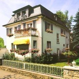 Neuhoefer_am_Suedpark-Bad_Nauheim-Exterior_view-2-88304.jpg