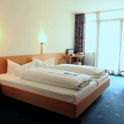 Seerose_Appartement_Hotel-Immenstaad-Double_room_standard-1-89797.jpg