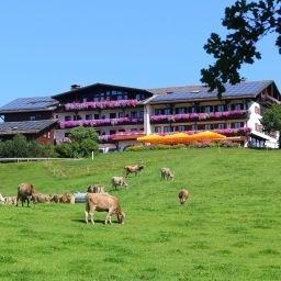 Schwarzenbach_Landhotel-Rieden-Exterior_view-1-90378.jpg
