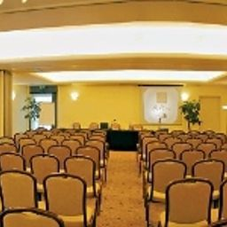 Ai_Pini_Park_Hotel-Mestre-Conference_room-90701.jpg