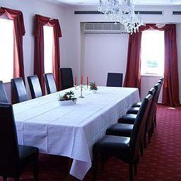 Kischers_Landhaus-Hanover-Banquet_hall-1-91553.jpg