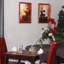 Le_Louisiane_INTER_HOTEL-Andelnans-Interior_view-2-102286.jpg