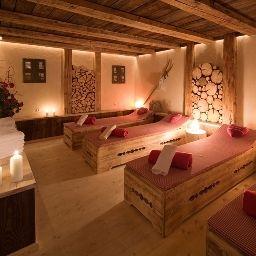 Wienerhof-Trins-Rest_area-102841.jpg