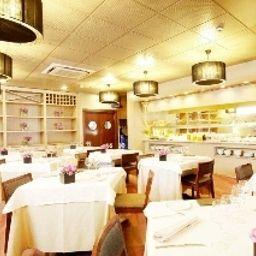 Plaza-Andorra-Restaurant-2-102851.jpg