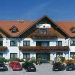 Schwartz_Hotel_Restaurant-Breitenau-Exterior_view-103348.jpg