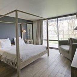 Auberge_Basque_Chateaux_et_Hotels_Collection-Saint-Pee-sur-Nivelle-Room-4-104856.jpg