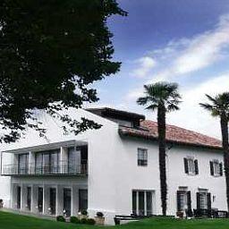Auberge_Basque_Chateaux_et_Hotels_Collection-Saint-Pee-sur-Nivelle-Exterior_view-3-104856.jpg