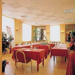 La_Bourbonnaise_Logis-Serezin-du-Rhone-Conference_room-105233.jpg