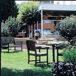 La_Bourbonnaise_Logis-Serezin-du-Rhone-Exterior_view-105233.jpg