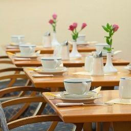 Starlight_Suiten_Merleg-Budapest-Breakfast_room-1-105336.jpg