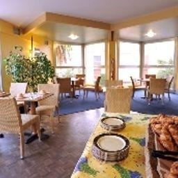Brise_de_Mer-Saint-Raphael-Breakfast_room-2-107622.jpg