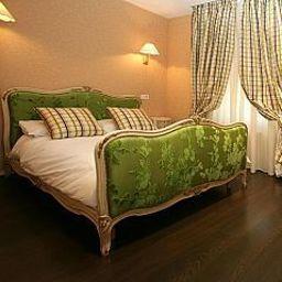 Room Paris Rome Logis