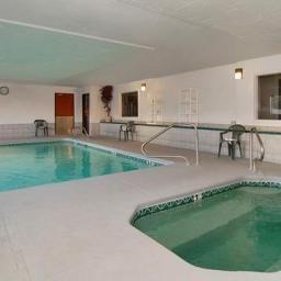Quality_Suites_Albuquerque-Albuquerque-Schwimmbad-124311.jpg