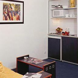 Aparthotel_Adagio_Access_Vanves_Porte_de_Versailles-Paris-Kitchen-127368.jpg