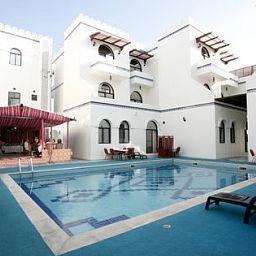 Beach_Hotel-Muscat-Pool-1-127532.jpg