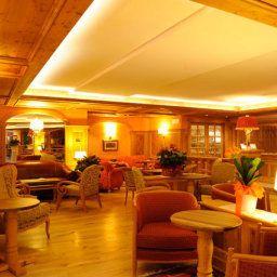 Recepción CERANA RELAX HOTEL