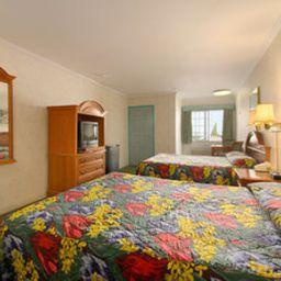 DI_SANTA_MONICA_LOS_ANGELES-Santa_Monica-Room-2-133448.jpg